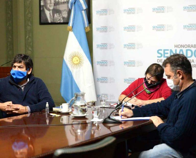 Gustavo Traverso reunión de Salud Senado BA